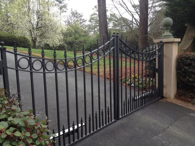 Wrought iron vehicle gate | Automated